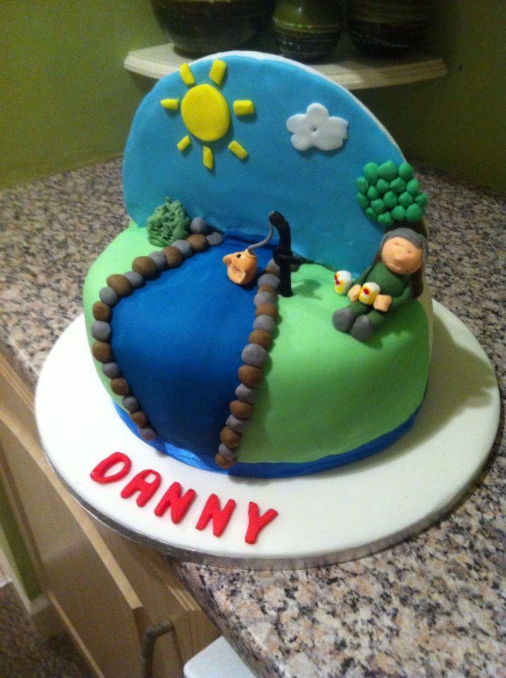 Other half of a split cake - fishing cake  Facebook.com/katesbakes2014