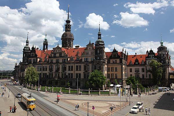 Dresden / Sachsen  Residenzschloß  from http://www.sachsen-virtuell.de
