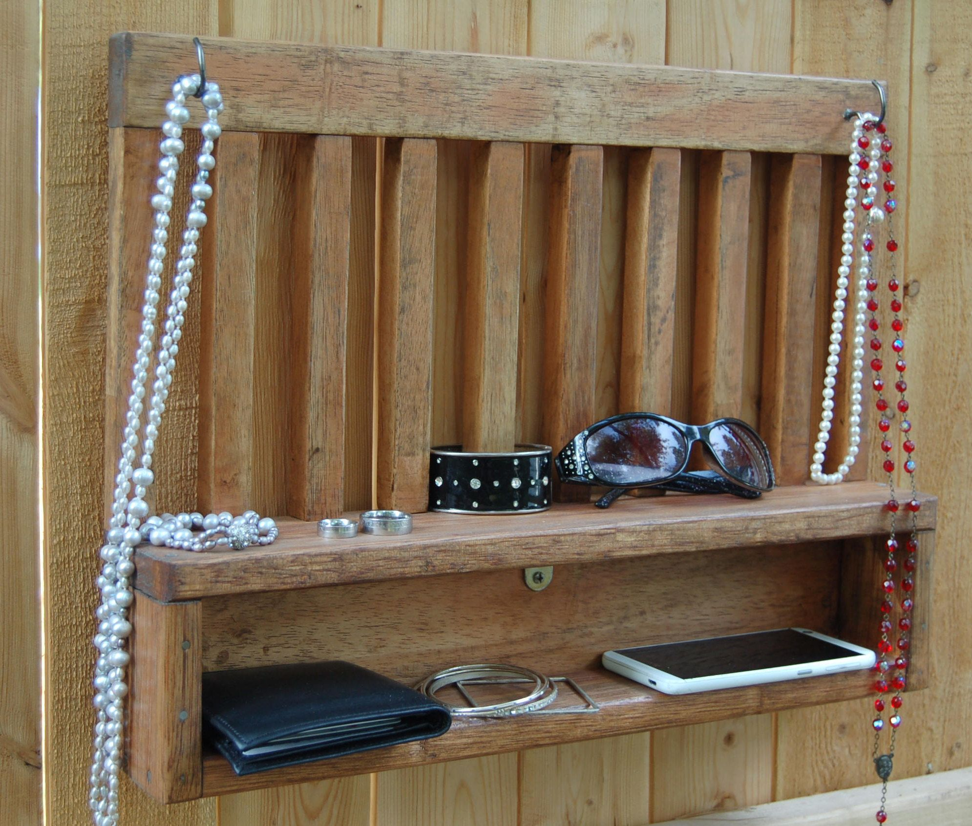 Pallet Wood Wall hanging Jewelry Organizer Rustic wood with Metal
