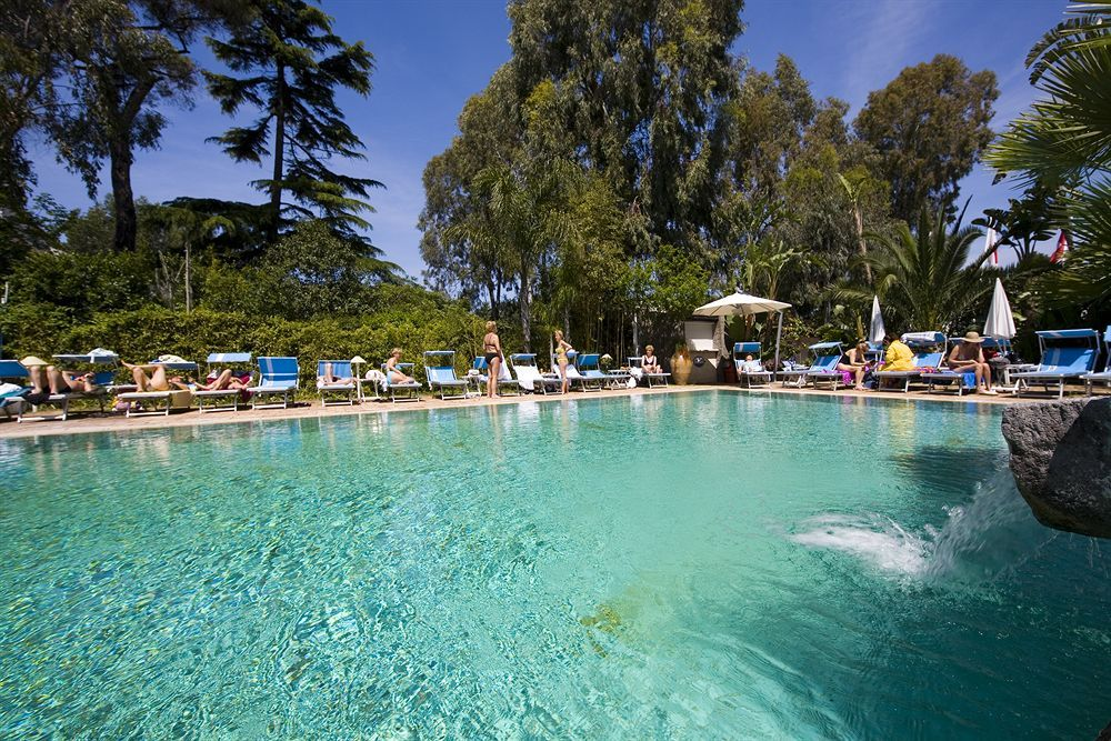Central Park Hotel Terme in Ischia is convenient to