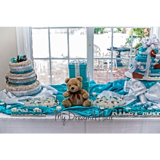 Twins & Co. Babyshower Cake Table! Tiffany Co Inspired... So spread the word @mydreamaffair today!!! #mydreamaffair #humble #honored #blessed #grateful #thankful #mydreamaffair #centerpiece #diamonds #eventplanning #planner #events #party #graduation #birthday #babyshower #caketable #diapercake