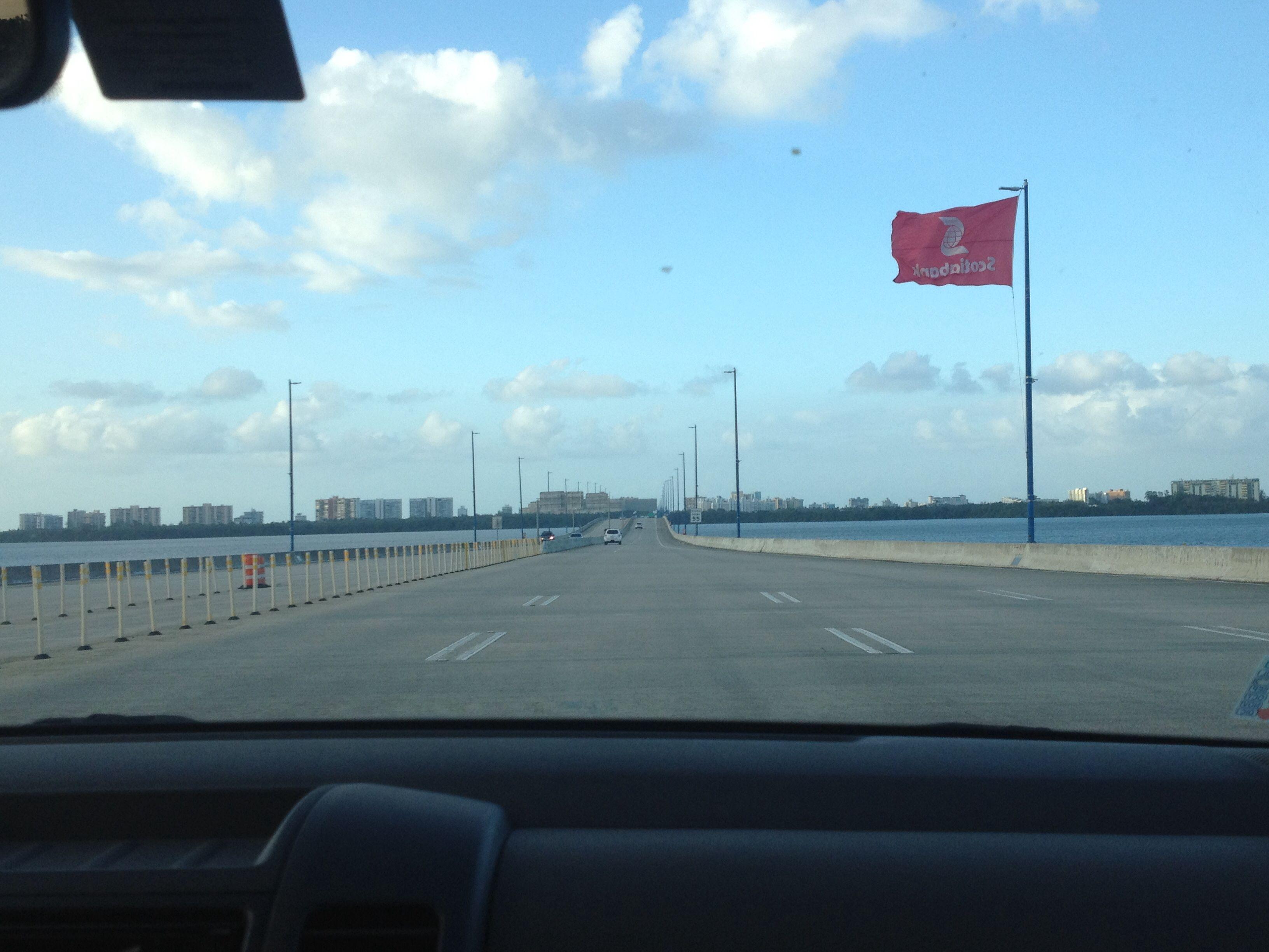 Puente Teodoro Moscoso (domingo) 4:15pm
