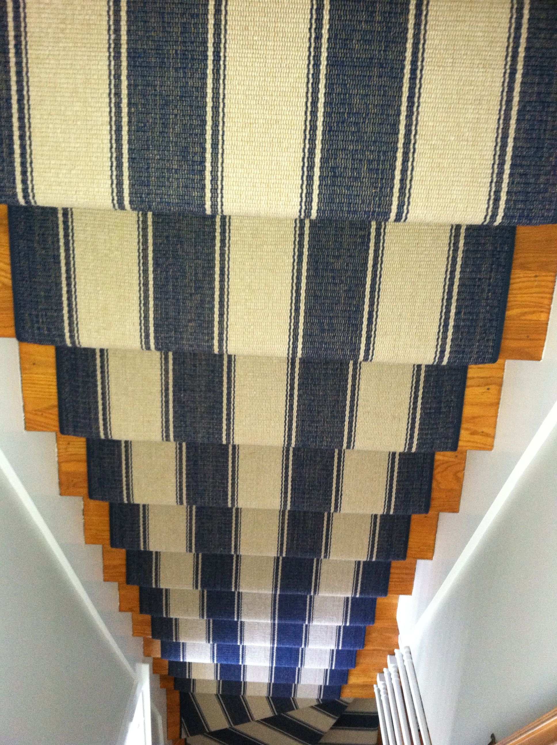 Best Stair Runner Installed In Cape Cod Http Carpetworkroom 400 x 300