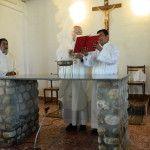 El Obispo consagró el altar y dedicó el templo del pueblo de Yunka Suma
