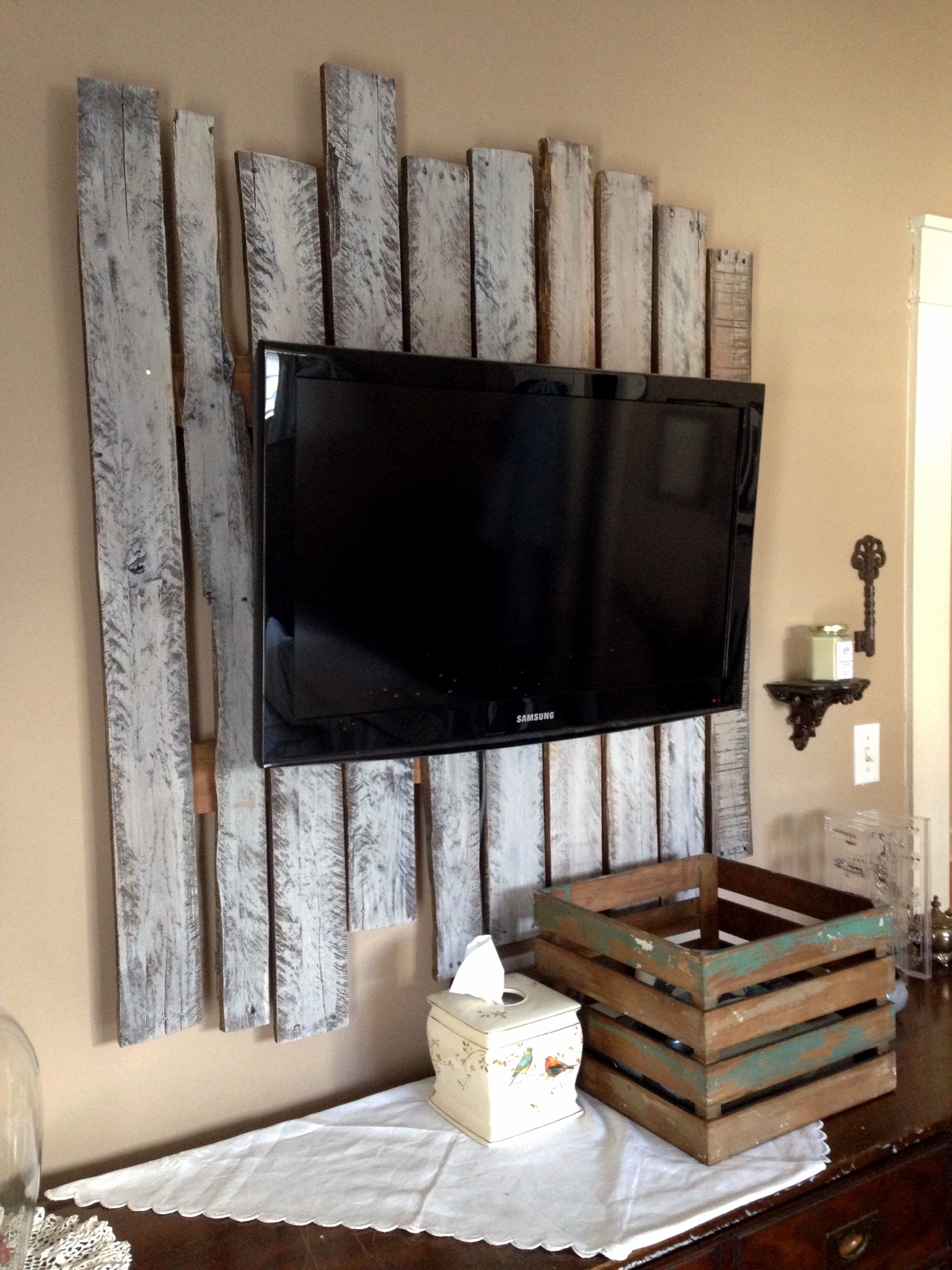 Wood Wall Behind Tv Dress Up The Wall Behind And Ugly Tv With Pallet Wood Also Helped