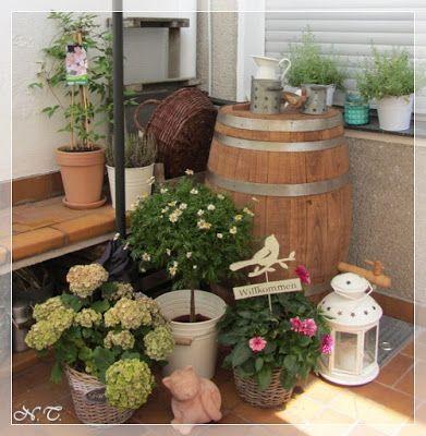 Wie versprochen bilder aus unserem kleinen landhausgarten sommer deko news aus dem for Landhausgarten deko