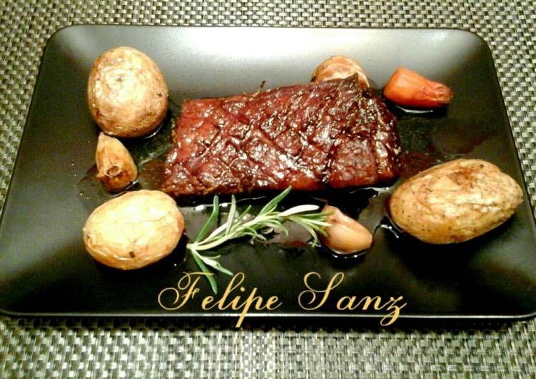 Falda de ternera al horno con patatas asadas