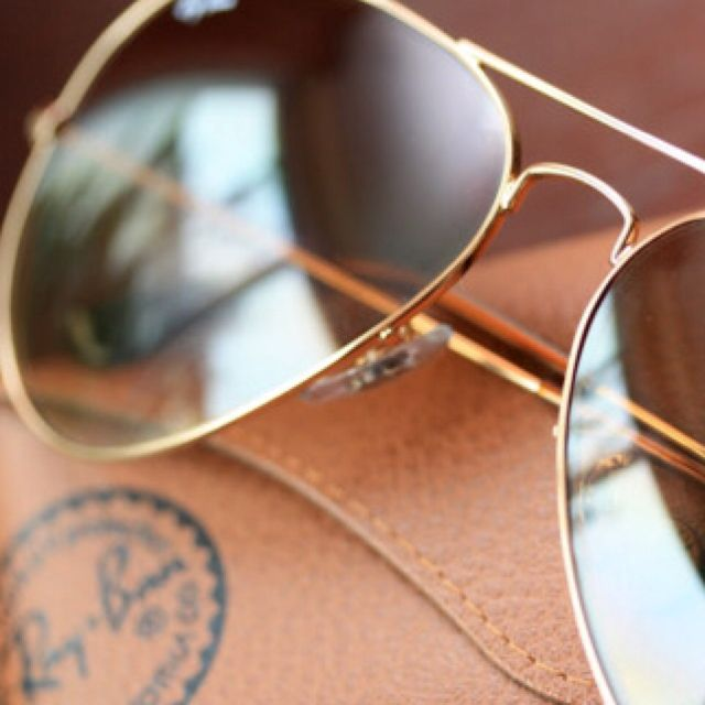 58c85615d Aviators (Ray Ban is the original, with matte gold or silver rims ...