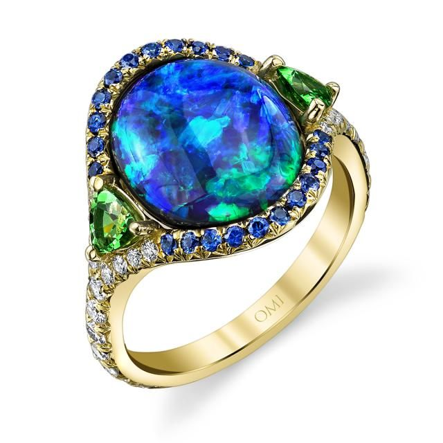 Up Close Look at the Most Beautiful Opal of 2015: Omi Priv