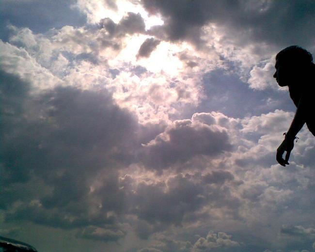 mirando el cielo