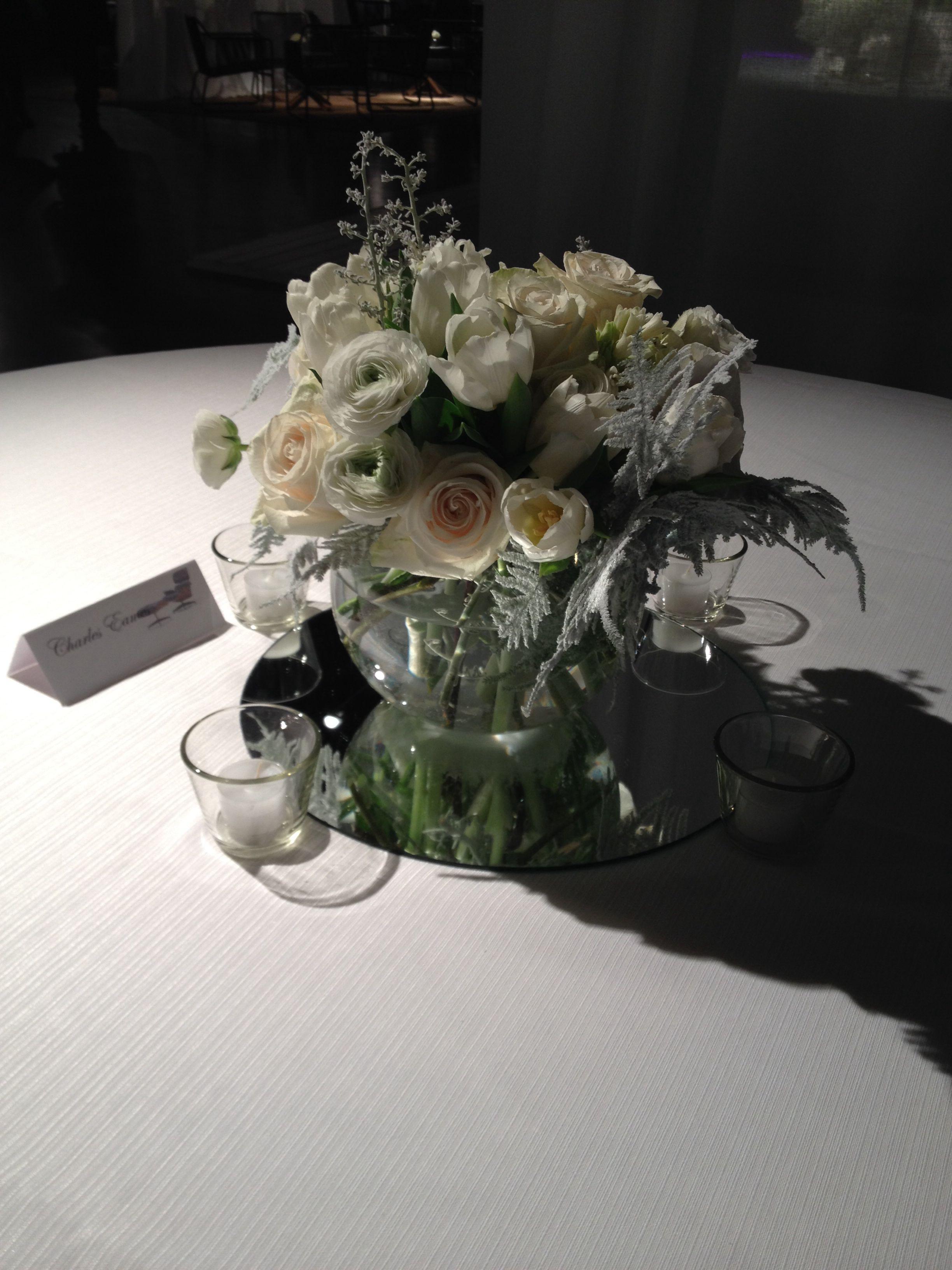 #winterwedding #weddingdesign #whitedesign #weddingideas #flowerdesign #fiordifragola #fiordifragolastyle
