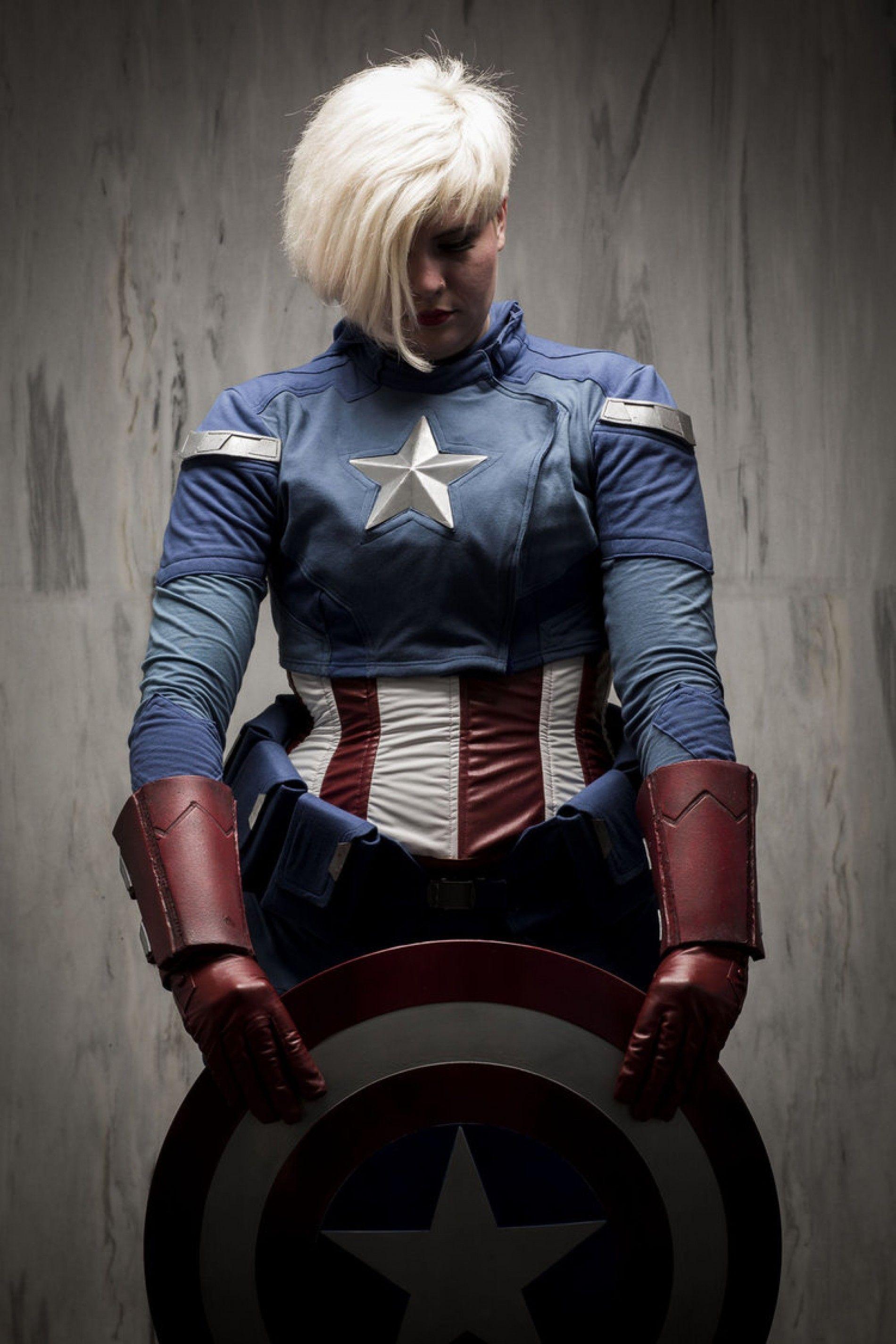 Les meilleurs cosplay de captain america f minin cosplay comics - Captain america fille ...