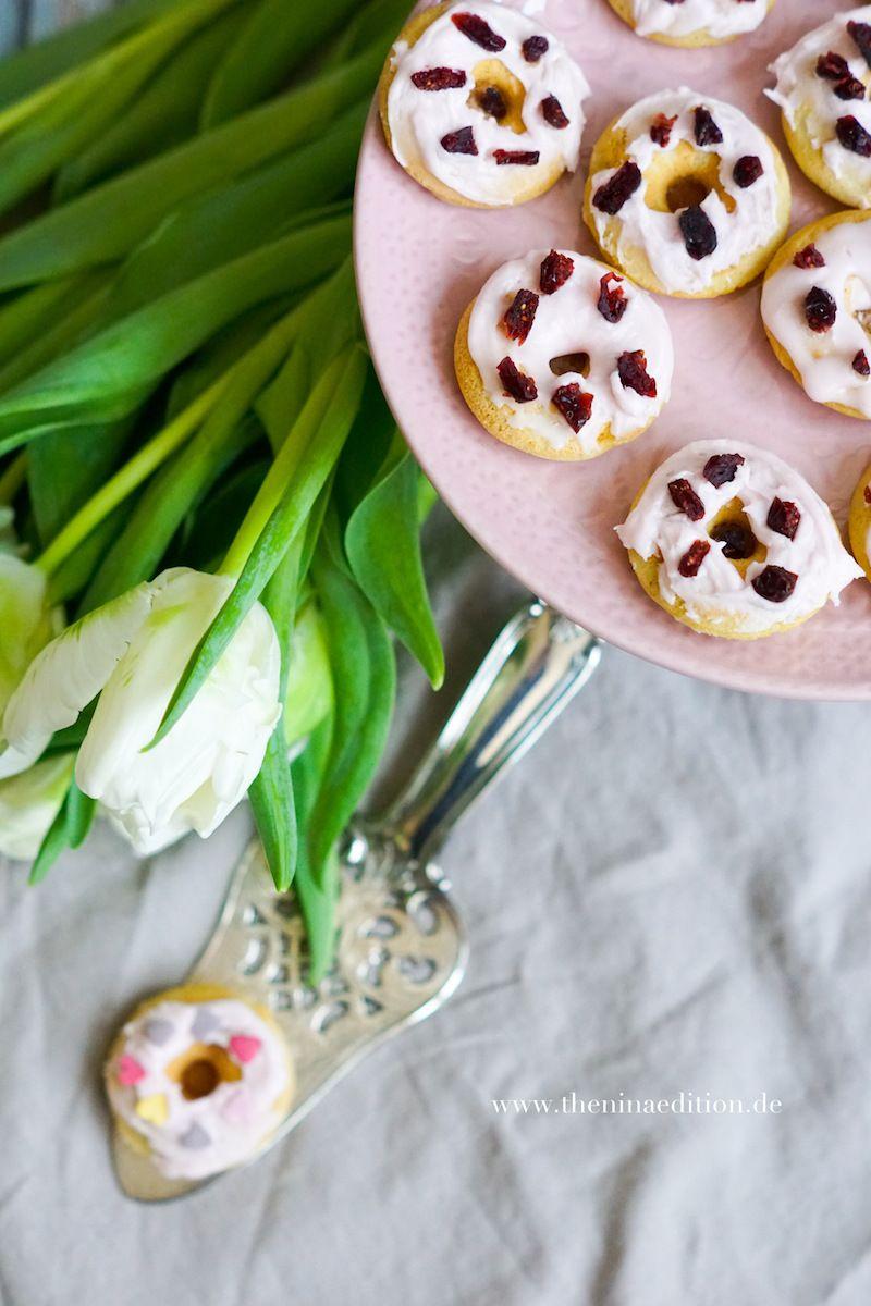 VANILLE DONUTS MIT CRANBERRY GLASUR ZUM VALENTINSTAG / Pink Mini Donuts Recipe for Valentine's Day