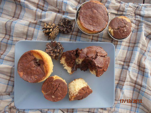 bollitos amarmolados, mantecados, con corazón de chocolate derrretido