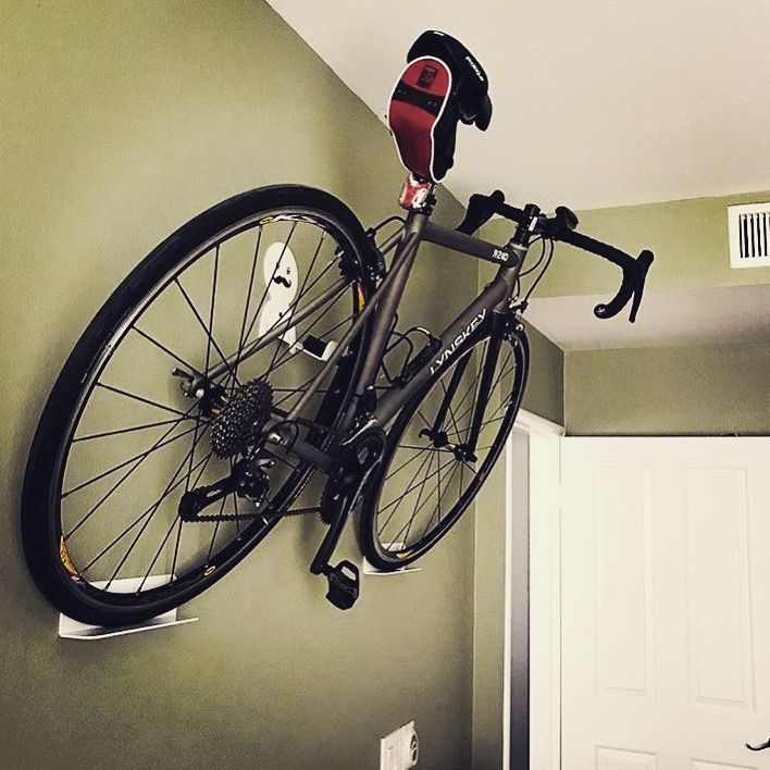 Bike Hanger For Small Spaces Ideias De Bicicleta Bicicleta Ideias