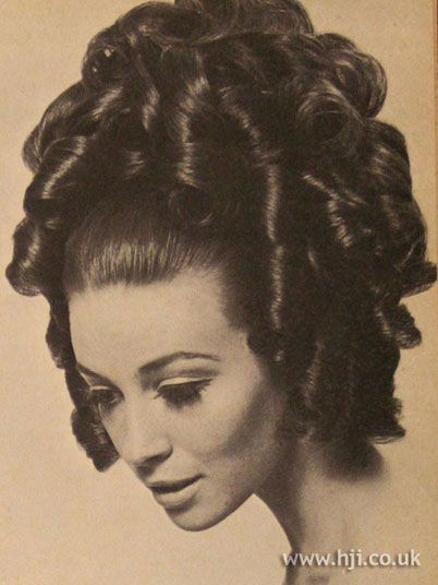1967 Updo Ringlets Stylish And Beautiful 1960 Shair Hairstyles Glamour Hair Hair Experiment Beehive Hair
