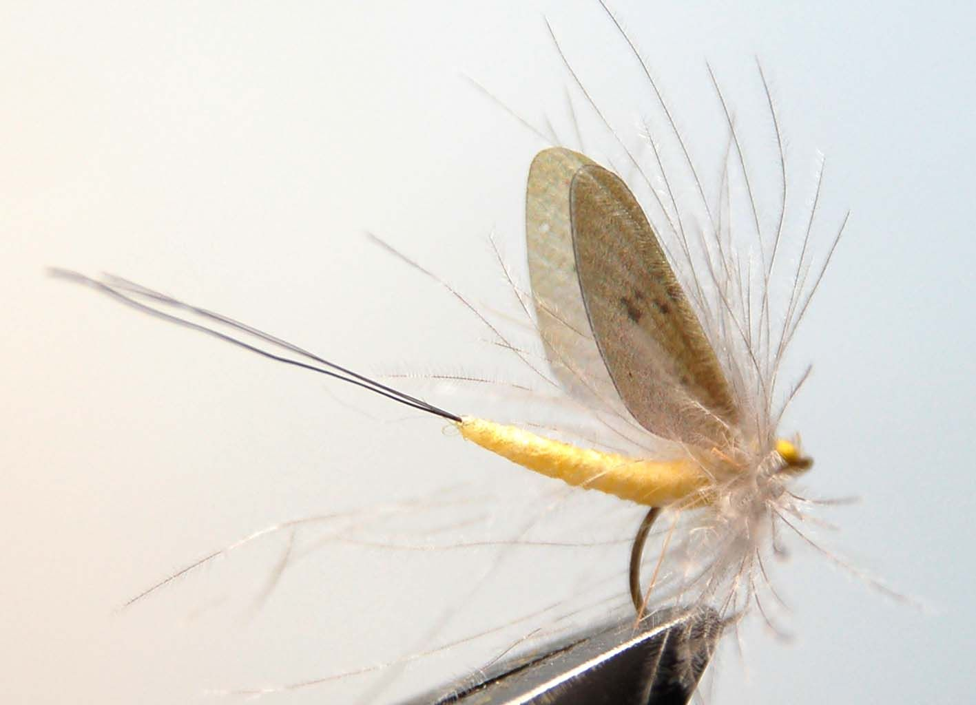 How to tie realistic mayfly - Step 13