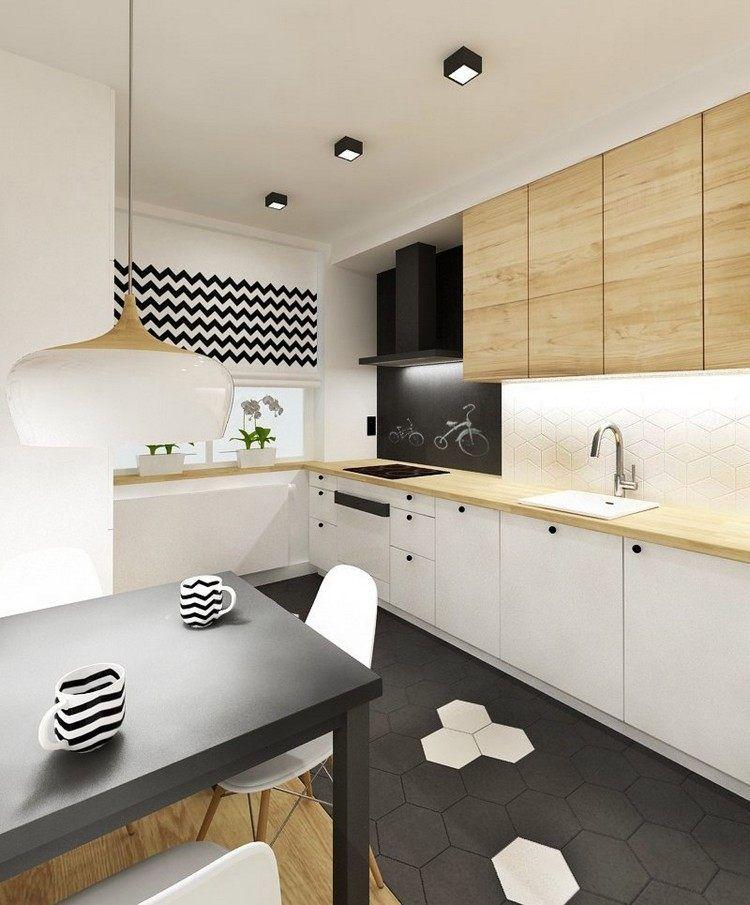Kleine Küche In Schwarz, Weiß Und Holz Mit Essbereich