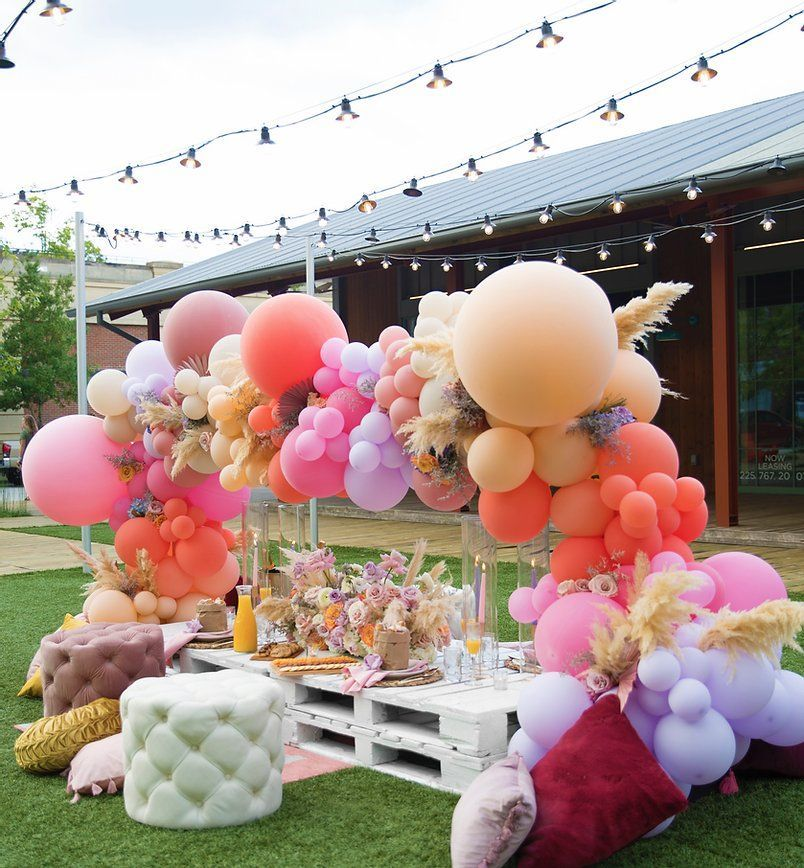 New Orleans Furniture Rentals For Wedding Corporate Events Lovegood In 2020 Balloons Picnic Decorations Picnic Birthday Party