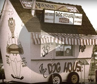 The First Portillo S Hot Dog Stand Known As Quot The Dog House