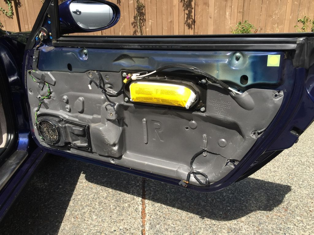 How To Remove The Door Panel From A Porsche 996 Panel Doors Porsche Paneling