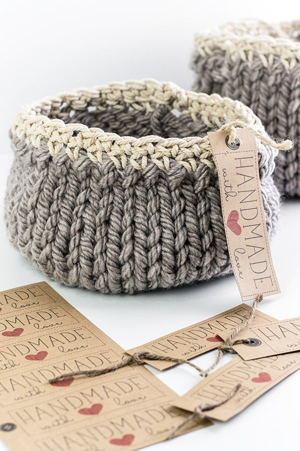 Free DIY Basket Pattern you can Knit up in a Flash #knittingprojects