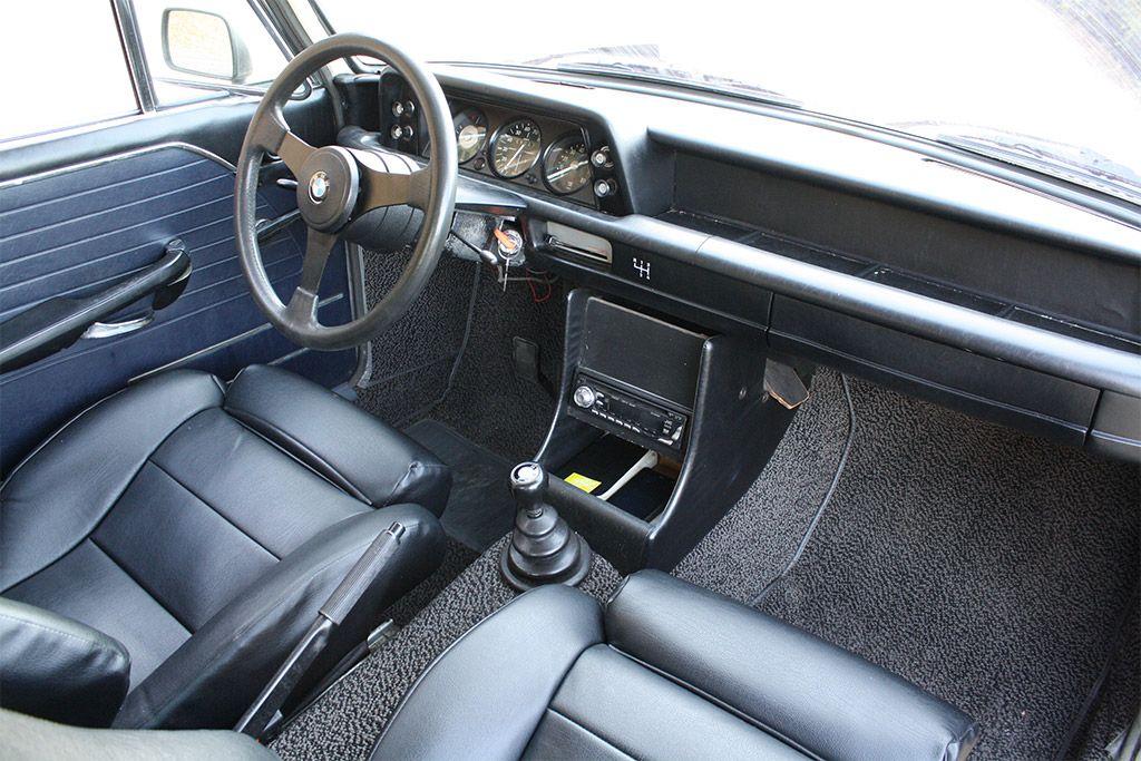 BMW 2002 Interior Nice Design