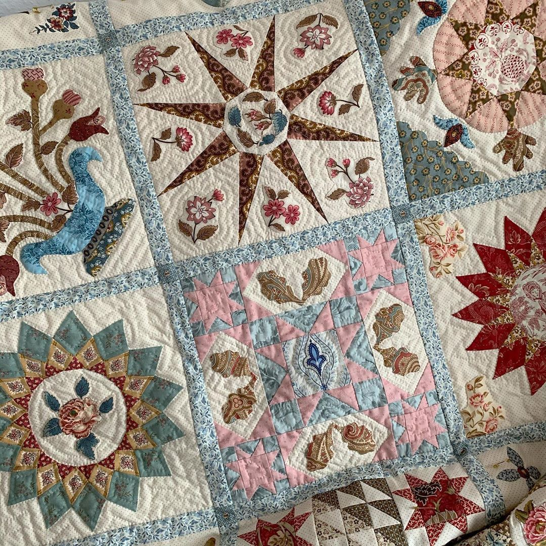 Heike Schneider On Instagram One Third Of The Blocks Are Quilted Let S Move On Quilt Samplerquilt Reproductionfabrics Shiraleestitchesantiqueweddingsampl