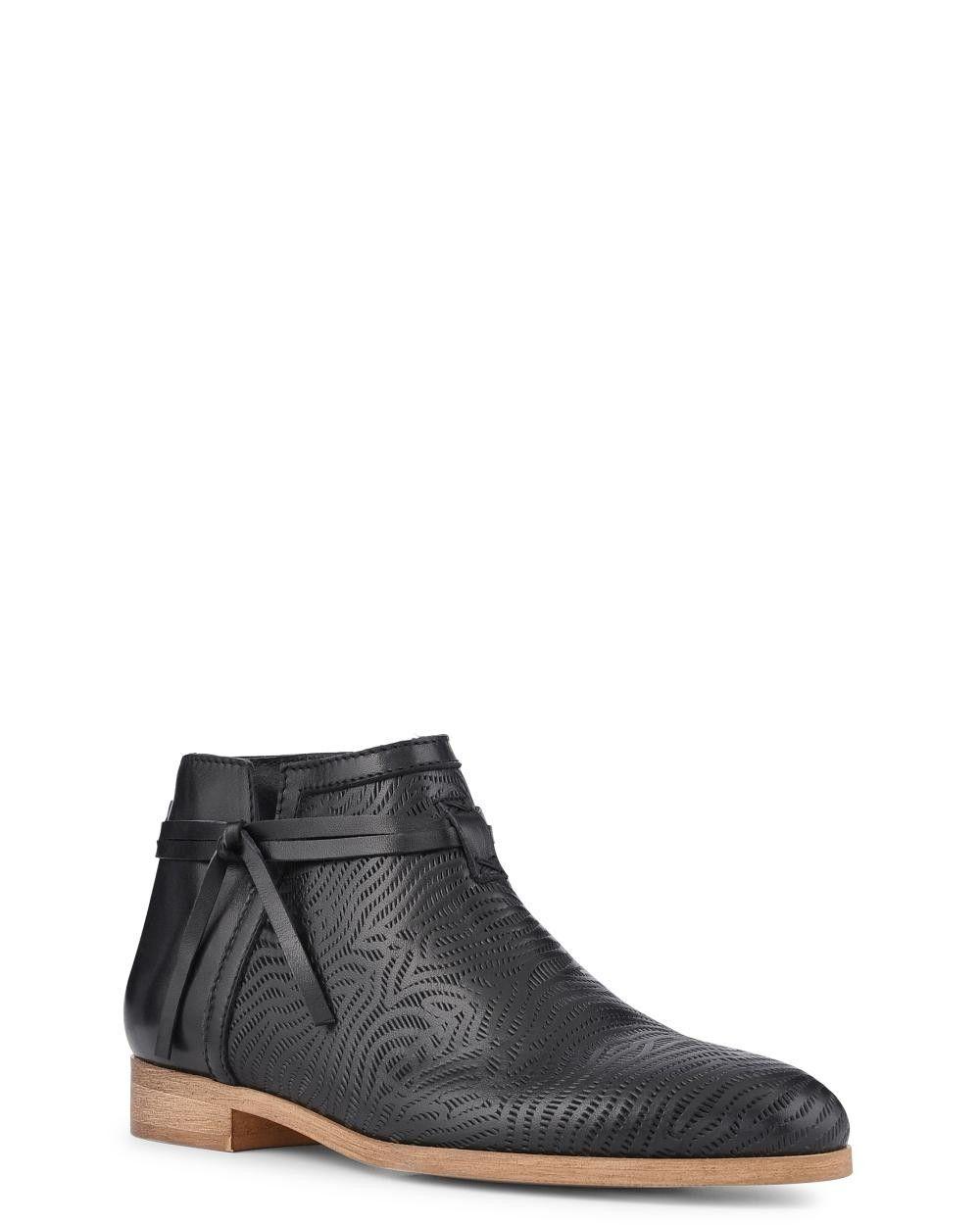 75c8385f39d Découvrez toutes les chaussures tendances pour Femme ! Minelli a  sélectionné une collection idéale pour la saison.