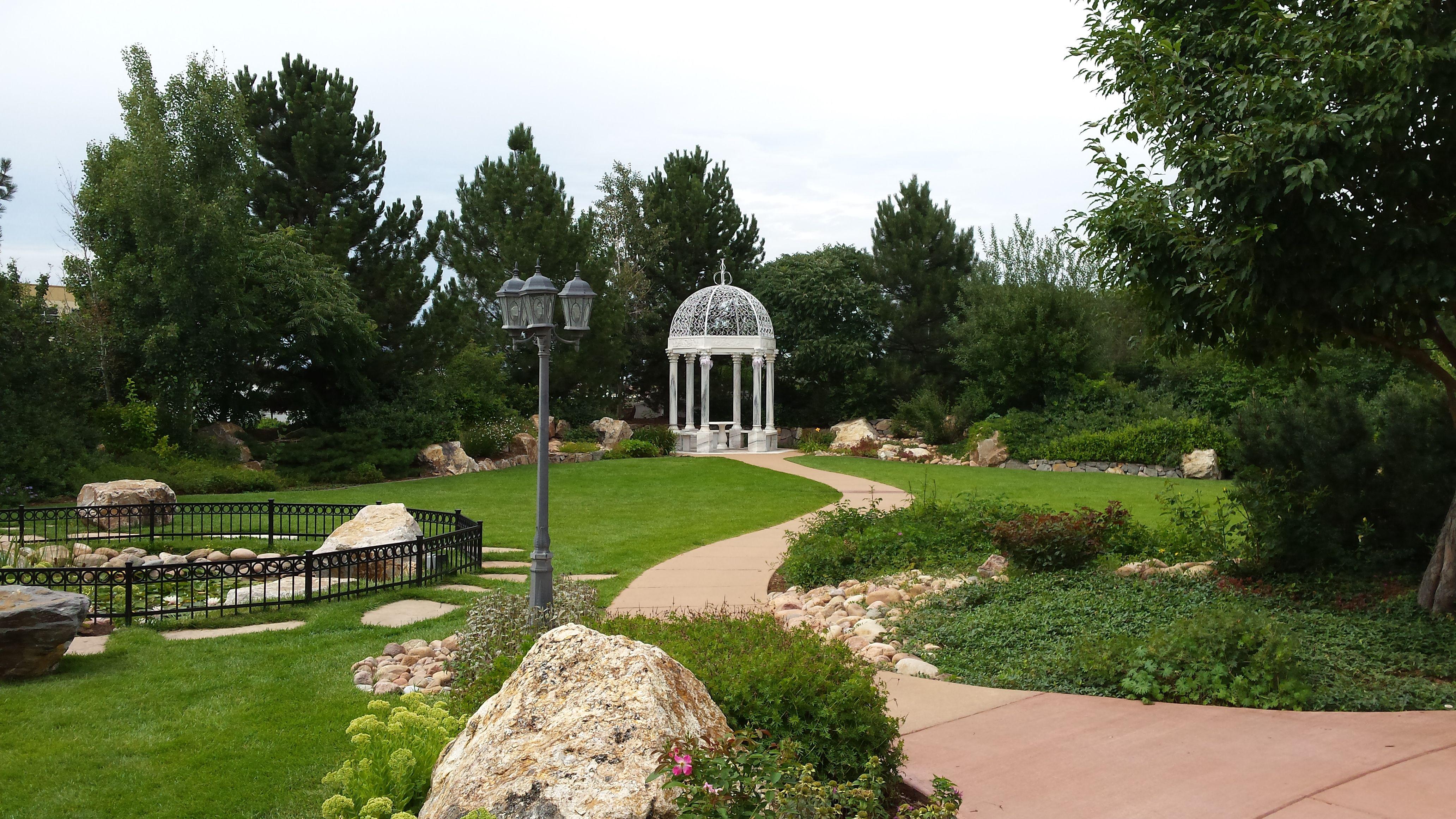 Outdoor & Indoor Wedding Venue Photos   Manor garden ...