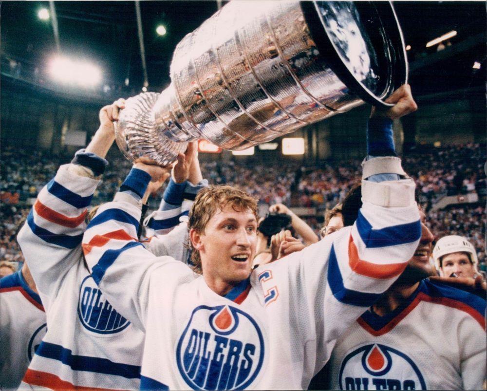 Wayne Gretzky Edmonton Oilers Stanley Cup Champions 8x10 Photo NHL Captain   EdmontonOilers a354953aa