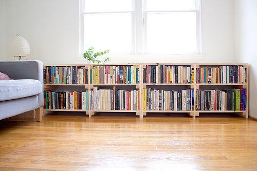 10 fa ons inventives de disposer des livres chez vous. Black Bedroom Furniture Sets. Home Design Ideas