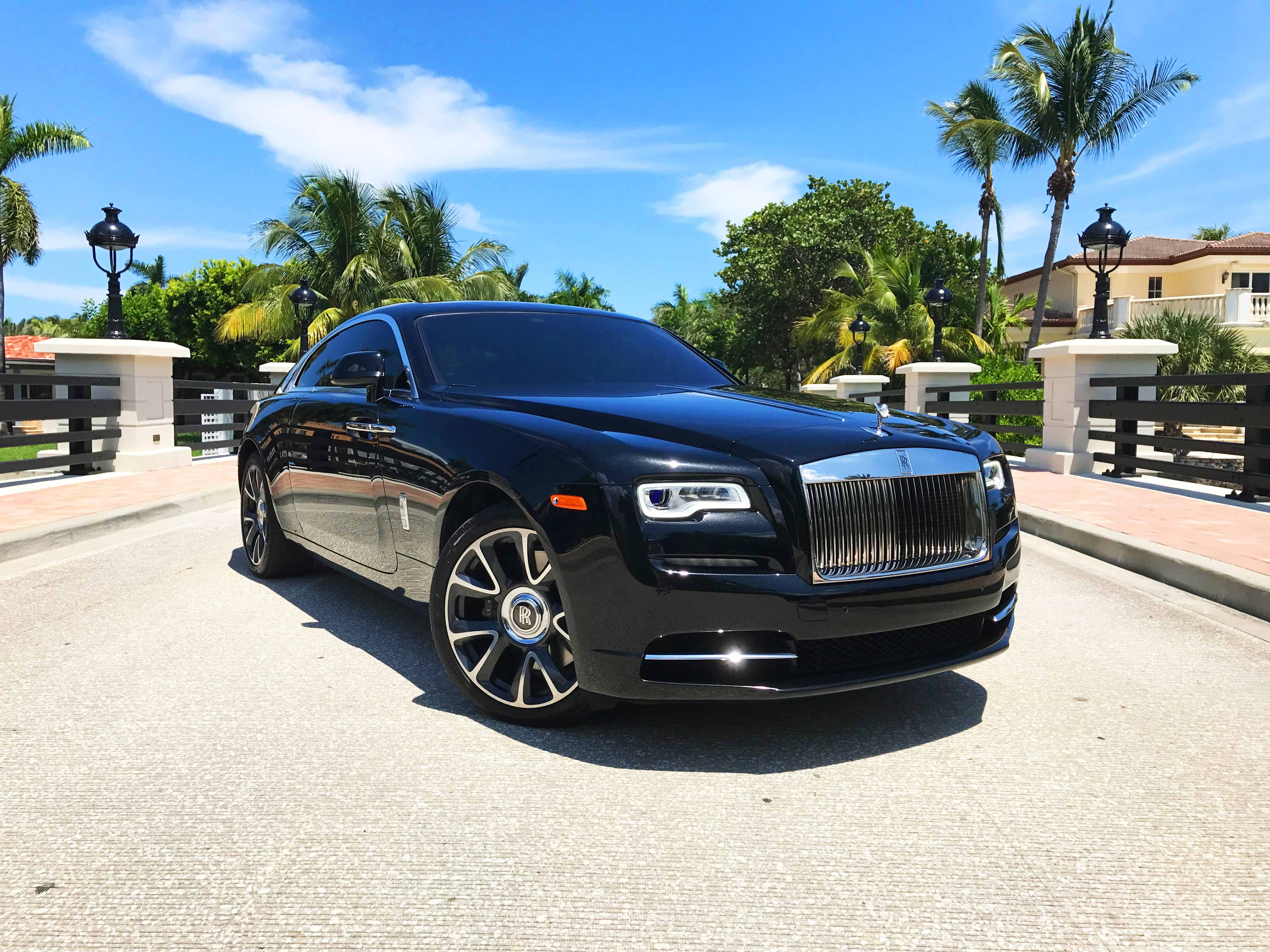 Advanced Car Rental Serves You With The World Class Vehicles To Traverse Around Uae Car Rental Best Car Rental Thrifty Car Rental