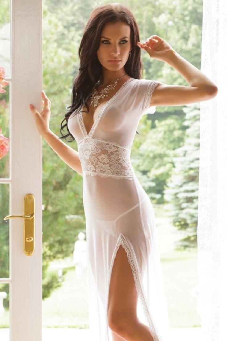 felicity24: Little white dress | šaty | Pinterest