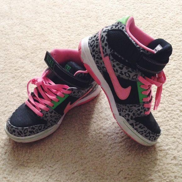 nike leopard laces
