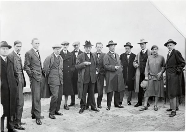 5. Bauhaus. Walter Gropius and masters on the roof