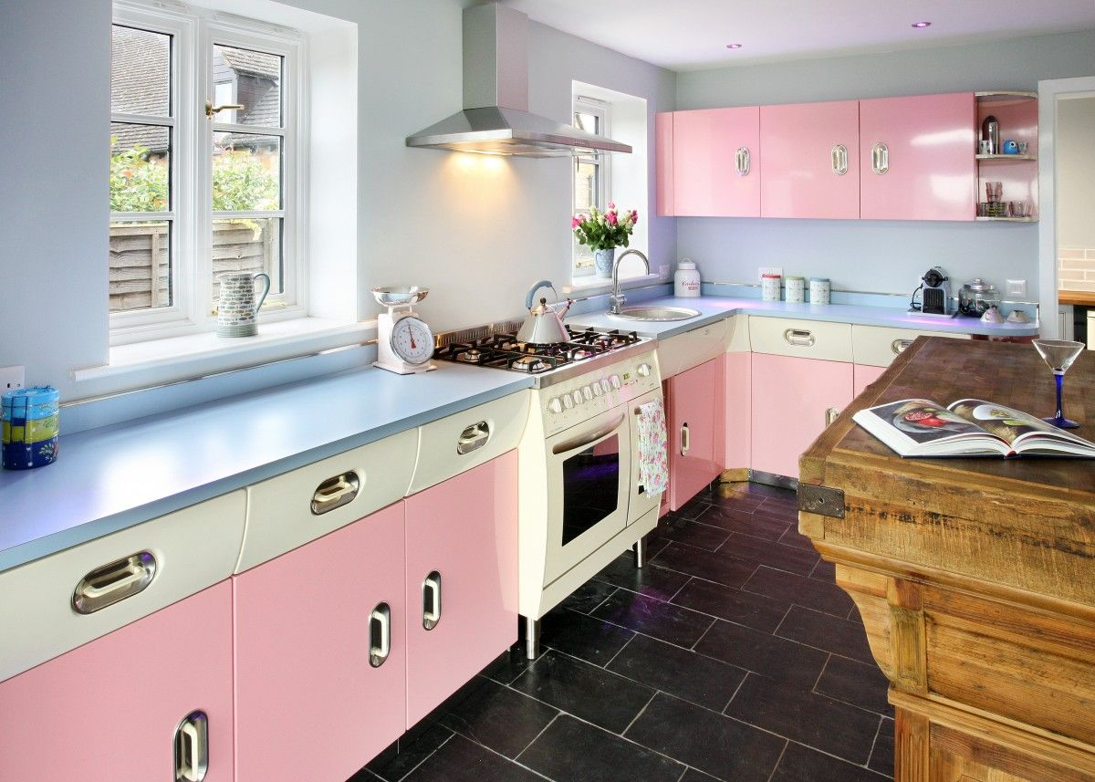 Pastel Kitchens That Channel the 1950s