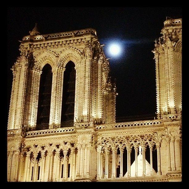Moonlight over Nôtre Dame