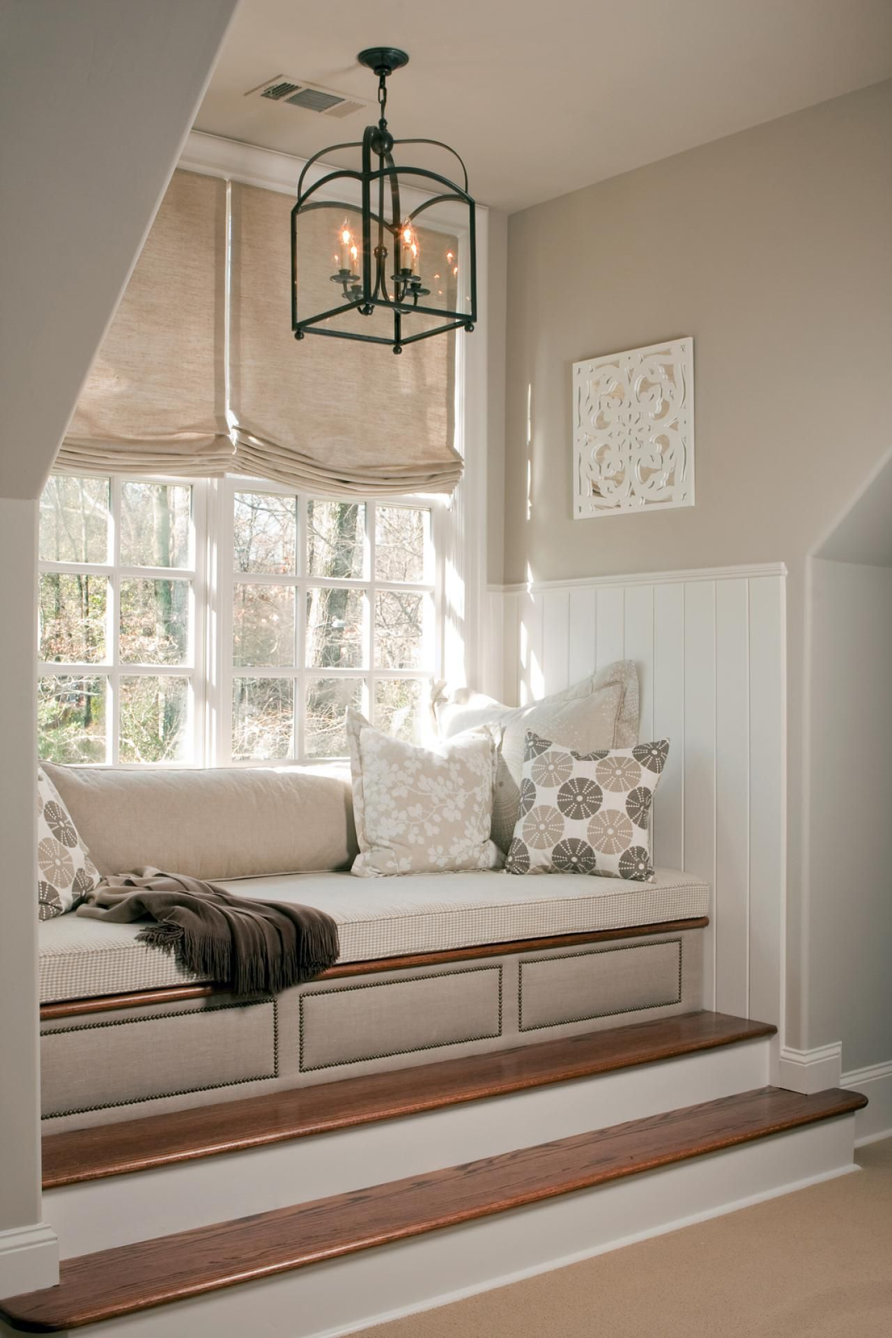 Oversized Dormer Window With Upholstered Daybed Hgtv