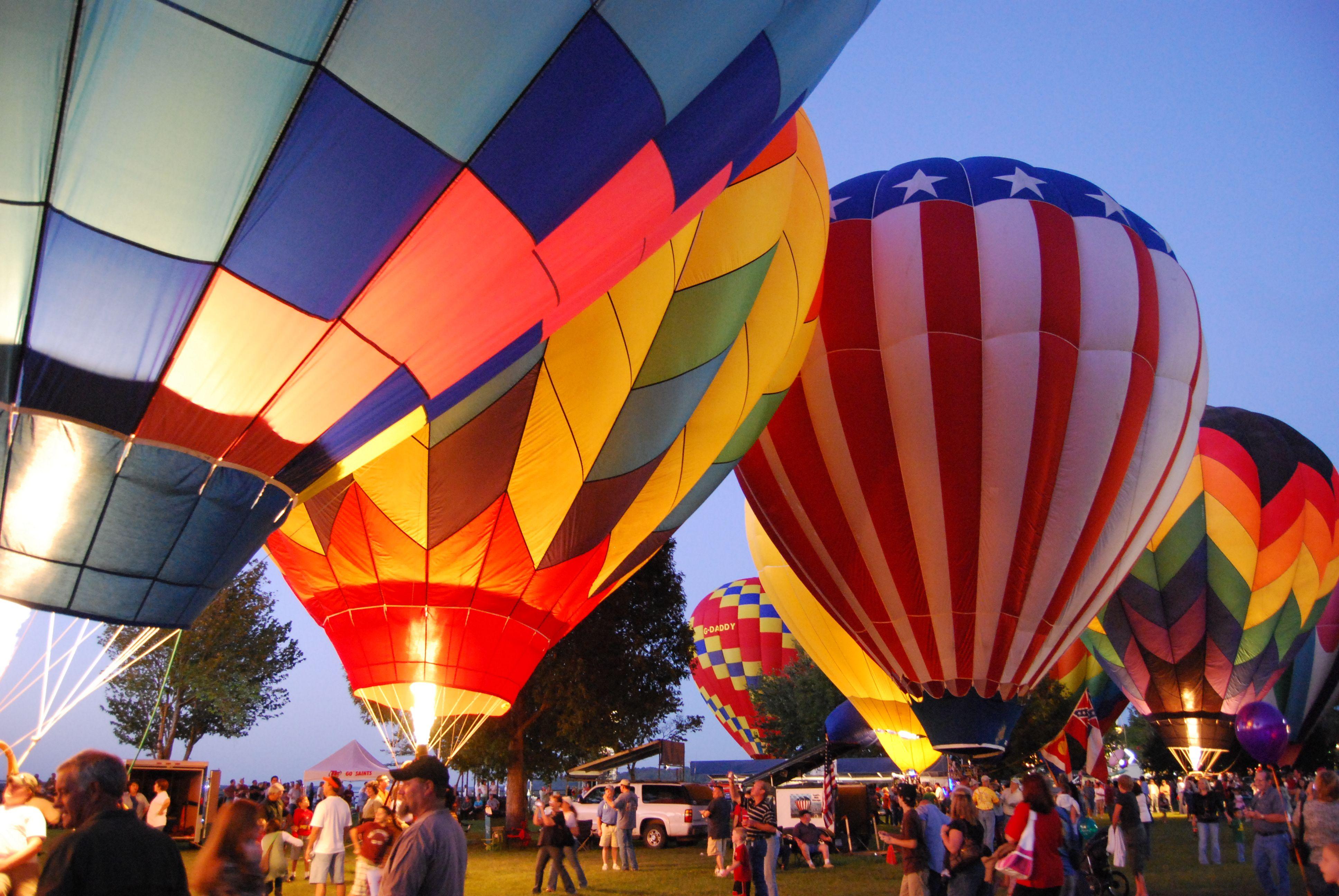 Visit Natchez Natchez Balloon Glow Balloon Race