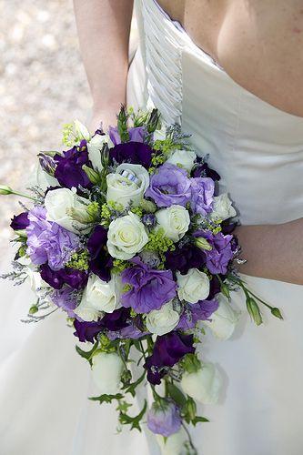 Purple and White Bride Bouquet #purpleweddingflowers