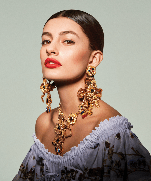 #April #Circlesquot #editorial #Juwelen #quotPower #trug #Vogue #welche #Wer EDITORIAL: 'Power Circles' - Vogue US April 2019 - Who Wore What Jewels        EDITORIAL: