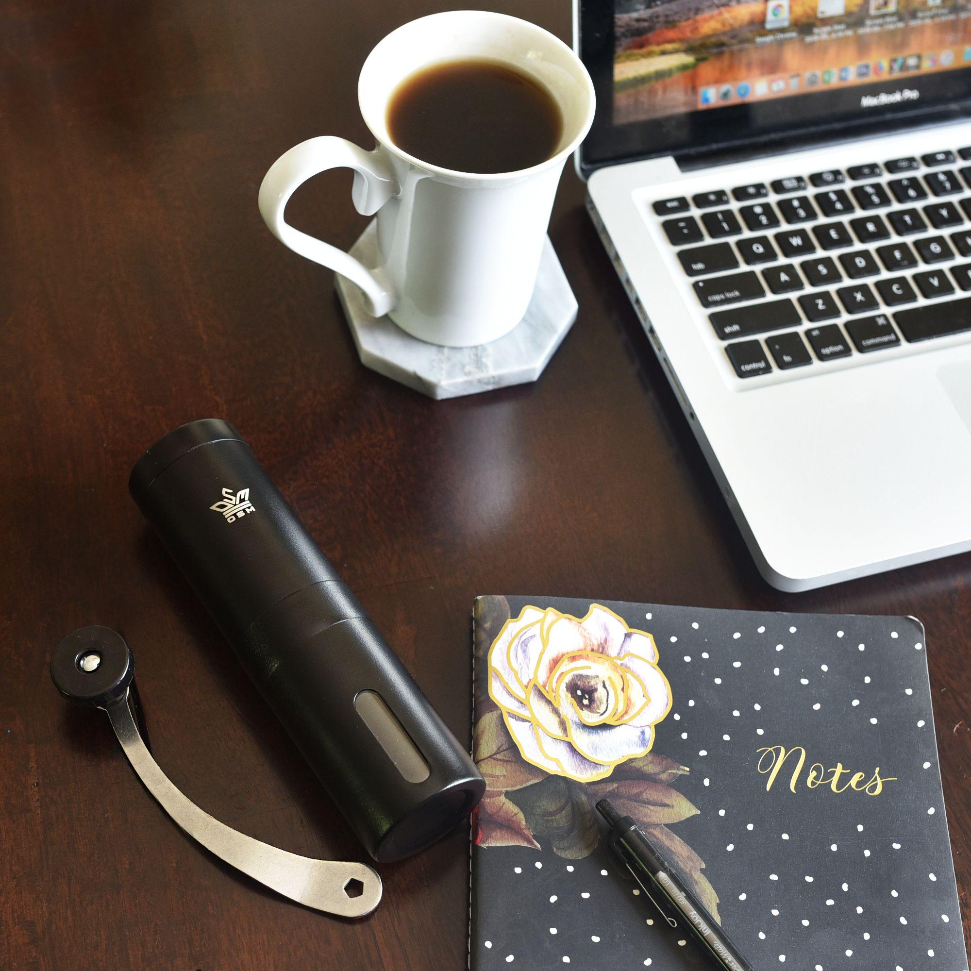 Stylish Black Hand Coffee Grinder! Manual coffee grinder