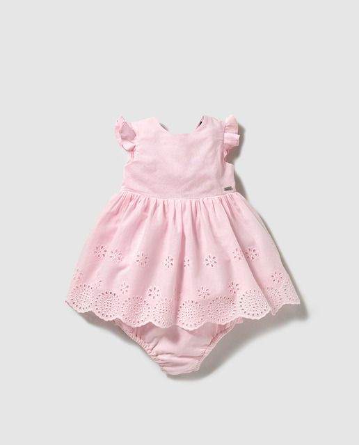 d423c8553 Vestido bordado de bebé niña Tommy Hilfiger en rosa Vestidos Para Recien  Nacida, Moda Para