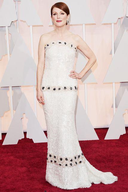 """Oscars 2015: julianne Moore. """"900 horas de trabajo y 27 personas fueron necesarias para crear el Alta Costura de Chanel"""""""