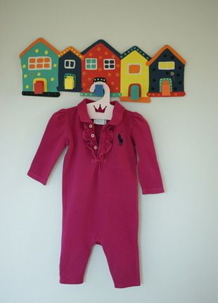 Kaufe meinen Artikel bei #Mamikreisel http://www.mamikreisel.de/kleidung-fur-madchen/strampler/30157225-wunderschoner-strampler-fur-babygirl-von-edlen-marke-ralph-lauren