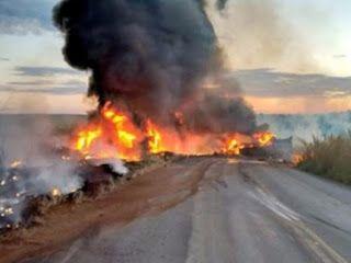 R12Noticias do Brasil e do Mundo : Motoristas foram carbonizados após colisão na MS-3...
