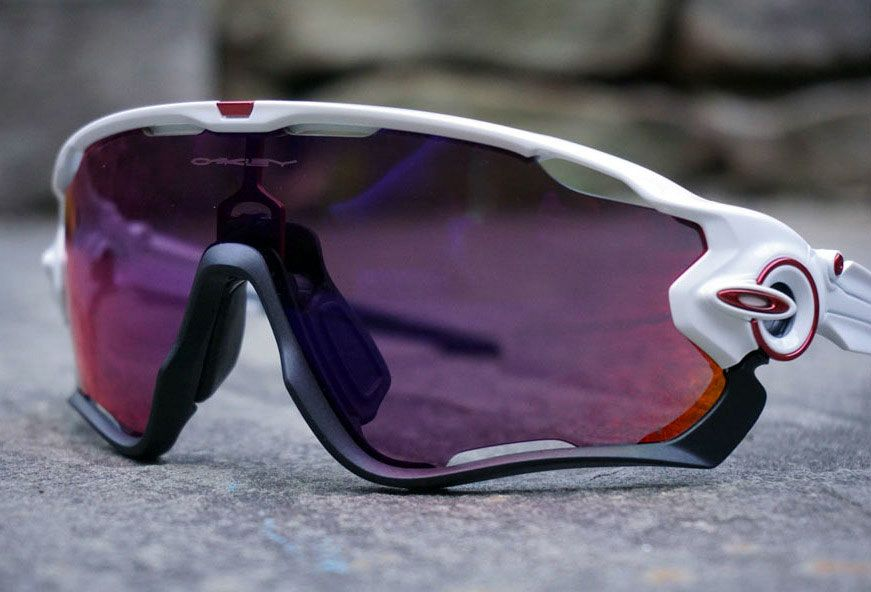oakley jawbreaker photochromic lens
