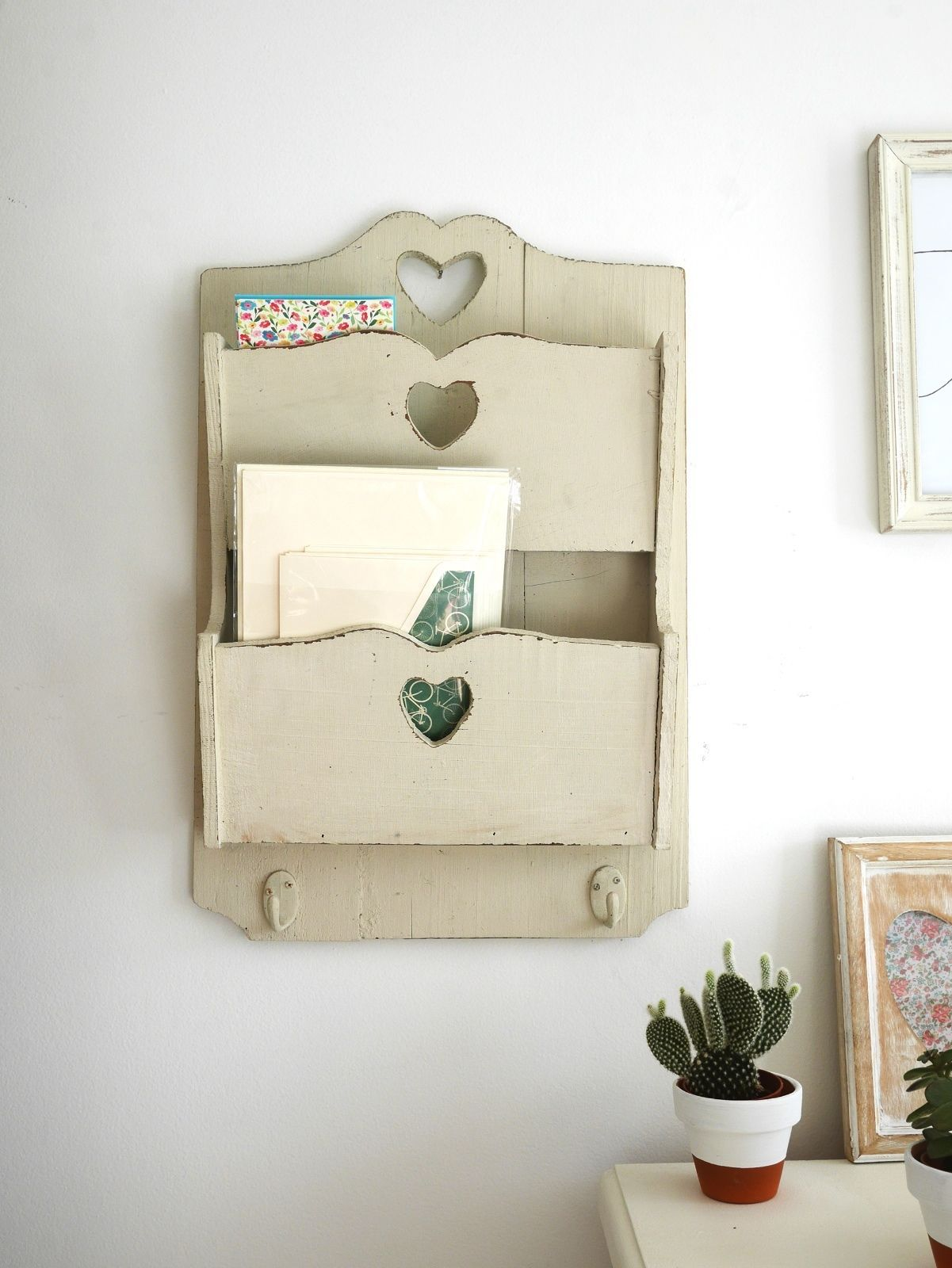Vintage Shabby Chic Letter and Key Holder Rack Wall