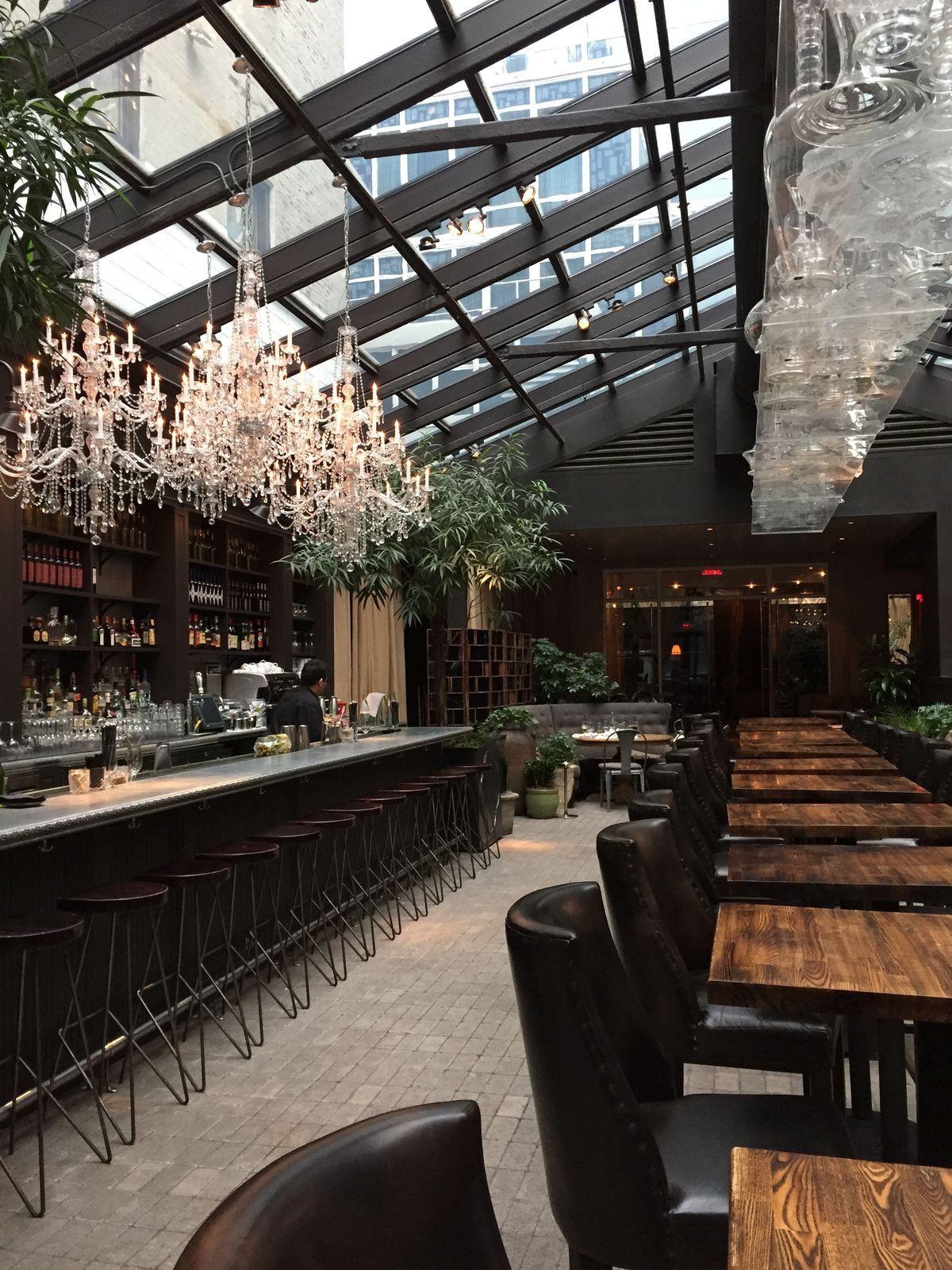Cool Idea For Bar And Natural Lighting Bar Design Restaurant Coffee Shop Design Cafe Interior
